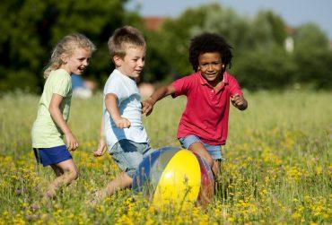 children-playing-370x251.jpg