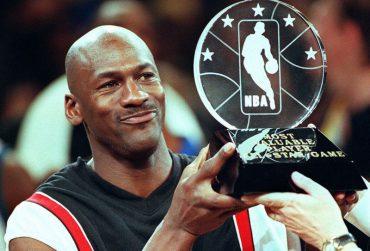 Michael-Jordan-370x251.jpg